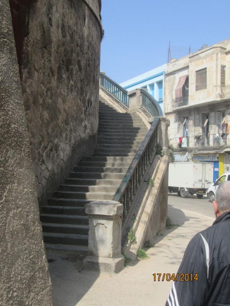 escalier gare oran