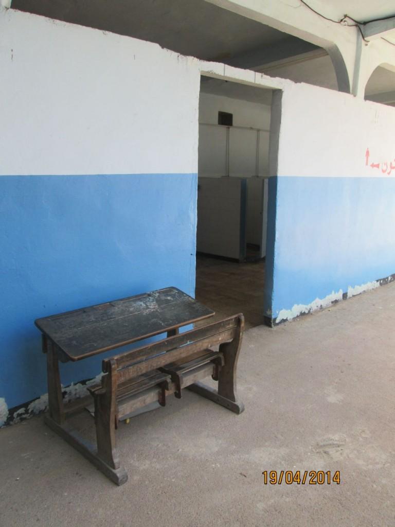 École Lamoricière - Une petite table d'écolier.